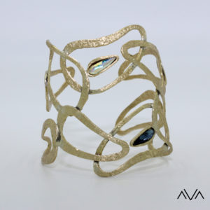 "Brazalete ""INTO"" AVA by Mibranda"