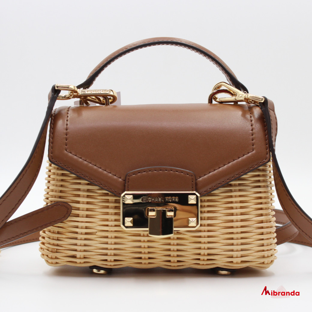 Bolso Mini XS Satchel modelo Kinsley, de Michael Kors, marrón