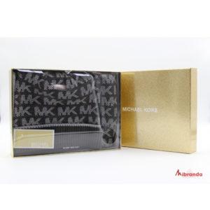 Bufanda y gorro de Michael Kors,  tonos grises