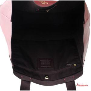 Bolso Maxi Tote DERBY, de Coach, color cherry
