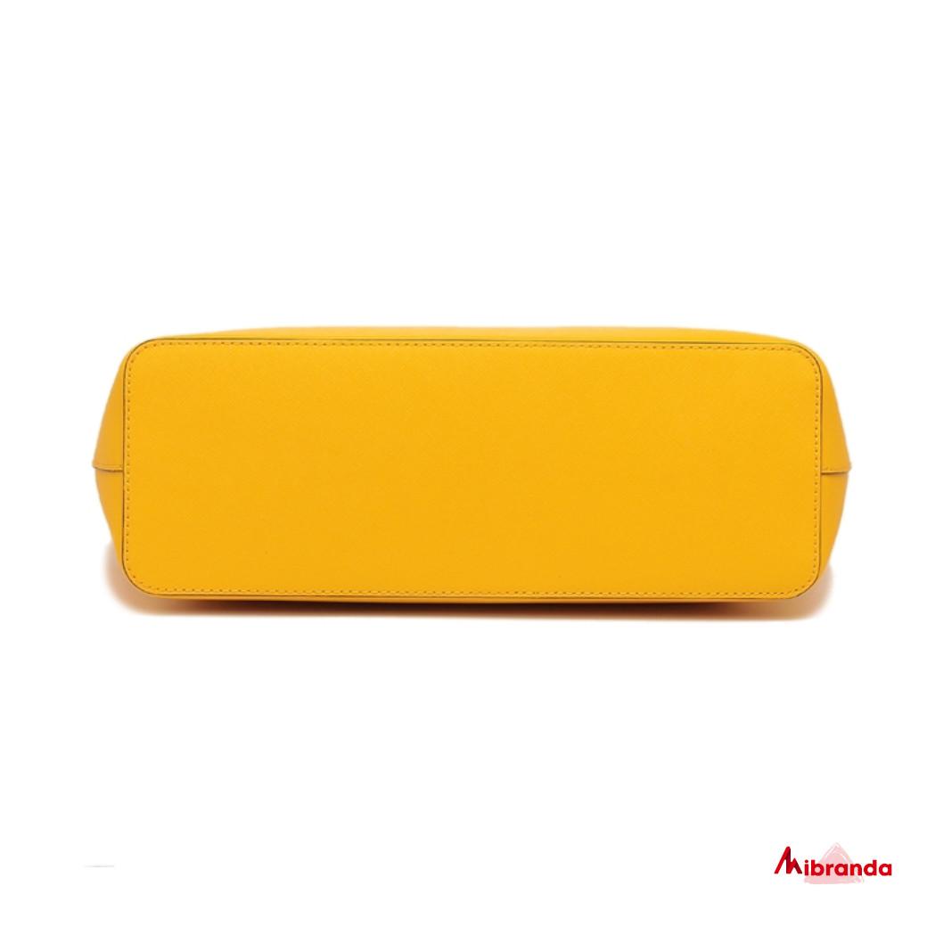Bolso Tote Jet Set Travel, amarillo, de Michael Kors.