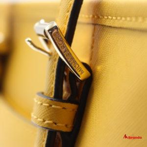 Bolso Tote XS JET SET TRAVEL, de Michael Kors, color amarillo