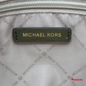 Bolso de hombro Bedford, de Michael Kors,en piel color duffle