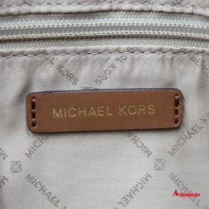 Bolso de hombro Bedford, estampado, de Michael Kors.