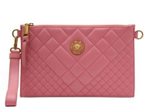 Tener un bolso Versace
