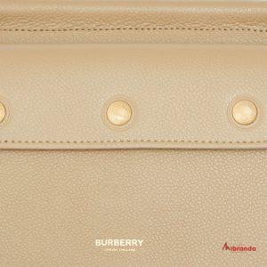 Bolso Baby Title Pocket, Honey, de Burberry