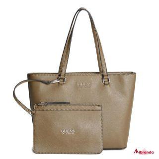 Bolsos que nos encantan para el día a día!! #GUESS Feliz martes!☀️  #guessbag  #mibranda_shop  #bolsosdemarcaoriginales  #moda #shopping #style #instamoda