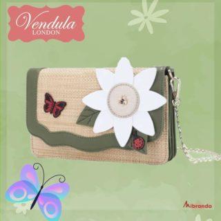 Este bolso clutch es ideal para los días más primaverales, de Vendula London. Encuéntralo en www.mibranda.es #clutch #vendulalondon  #primavera #fotodeldia  #mibranda_shop
