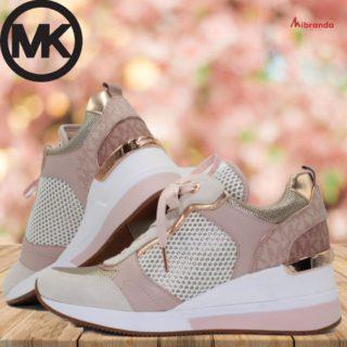 Empieza la primavera con buen pie!!! Sneakers de Michael Kors, ahora en mibranda. 👉www.mibranda.es  #michaelkors #calzadomichaelkors  #calzadourbano  #sneakersaddict  #sneakersoriginal  #moda
